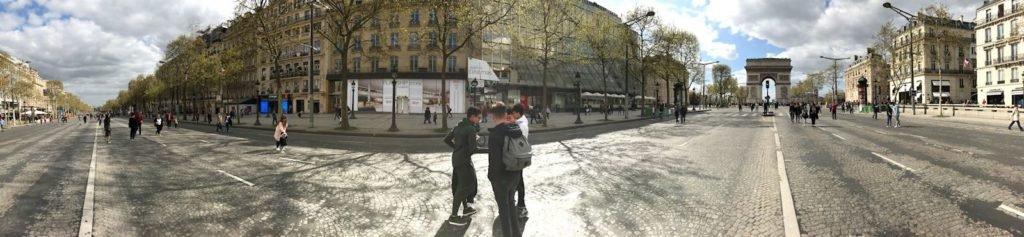4 h/v in Parijs